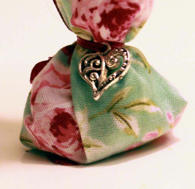 rose mojo heart charm