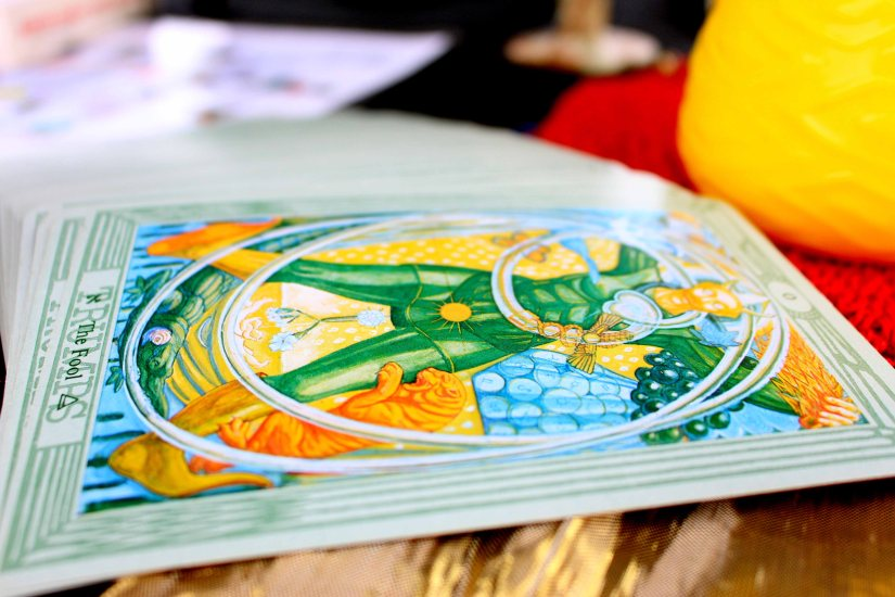 Getting to Know Your Tarot Deck
